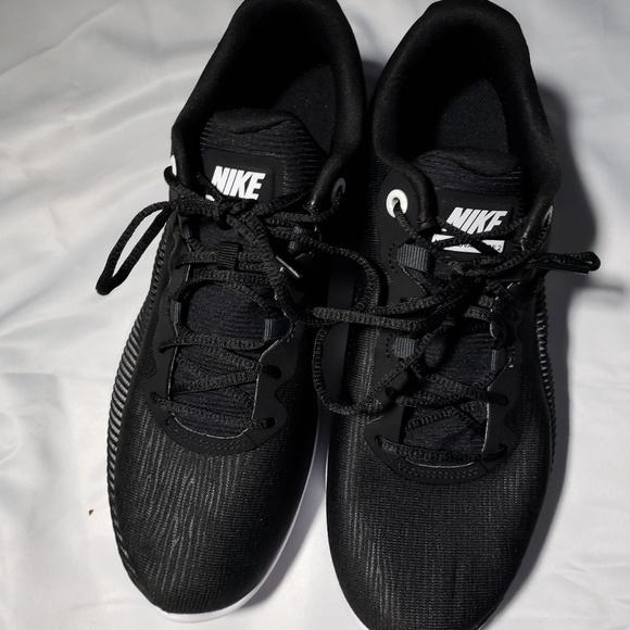510238ffd6d Nike men s air max advantage 2. M 5b95f5541b32947ca5f2488f